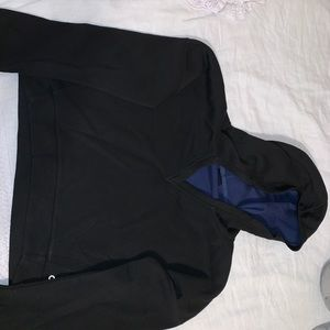 Black cropped hoodie with navy inside